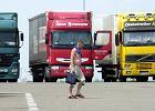 Piętnaście godzin za kierownicą tira, czyli jak powstało i upada polskie imperium ciężarówek