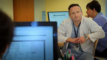 Dr n. med. Mateusz Tajstra  odpowiedzialny za telemonitoring pacjentów w  Śląskim Centrum Chorób Serca w Zabrzu