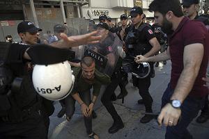 Policja strzelała do uczestników marszu równości w Stambule. Kilkadziesiąt osób aresztowano