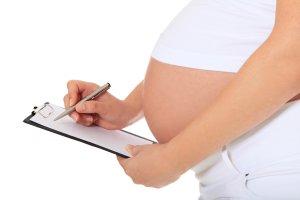 Urlop macierzyński - ile trwa, jakie zmiany, jakie wnioski są potrzebne - odpowiadamy