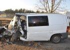 Pijany kierowca mercedesa zatrzymał się na drzewie [ZDJĘCIA]