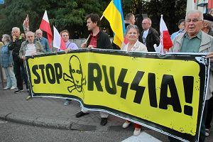 Rocznica 17 IX. Tylko 200 os�b przysz�o pod ambasad� Rosji