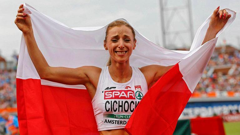 Angelika Cichocka tuż po zdobyciu złotego medalu mistrzostw Europy w biegu na 1500 m