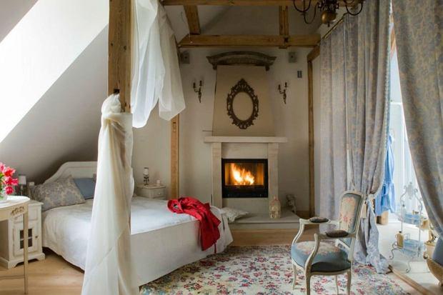 Jak stworzyć romantyczny klimat w domu i na balkonie?