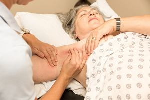 Chłoniaki - nowotwory złośliwe układu limfatycznego. Objawy, przyczyny i leczenie chłoniaków