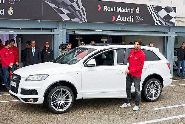 Również Khedira wybrał Audi Q7 z silnikiem 3.0 TDI i pakietem S Line