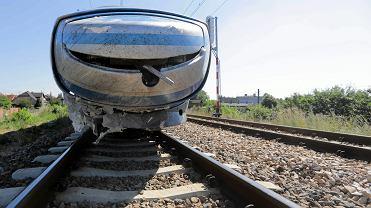 22.07.2015, Blachownia k. Częstochowy, pociąg Pendolinu po zderzeniu z samochodem osobowym.