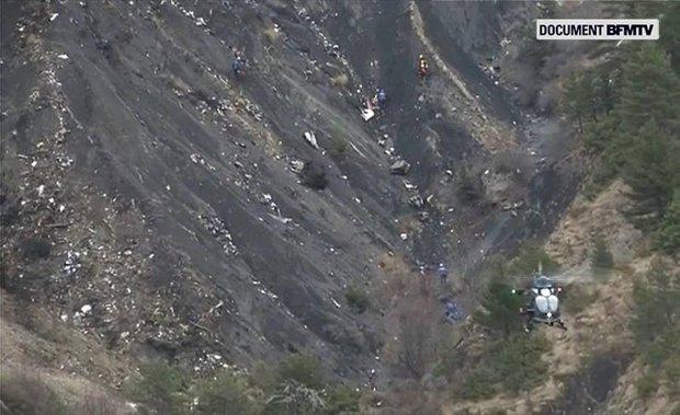 Telewizyjne zdjęcia miejsca katastrofy airbusa linii Germanwings