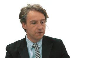 """Temat dnia """"Gazety Wyborczej"""": Parlament Europejski przyj�� krytyczn� rezolucj� wobec rz�du PiS. Co dalej? Rozmowa Ewy Siedleckiej z prof. Robertem Grzeszczakiem"""