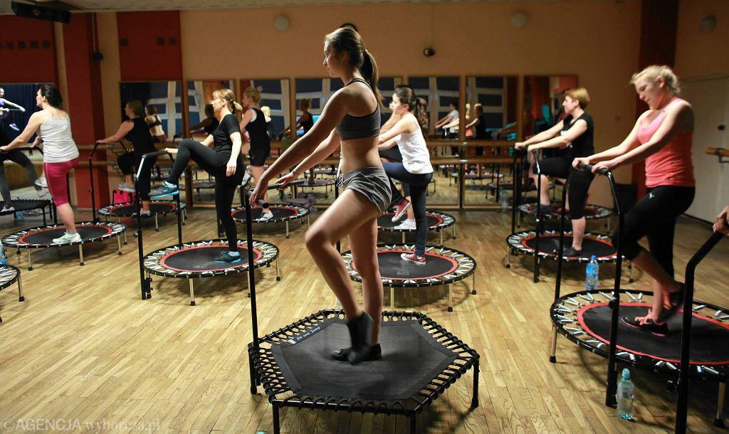 Ćwiczenia na trampolinach