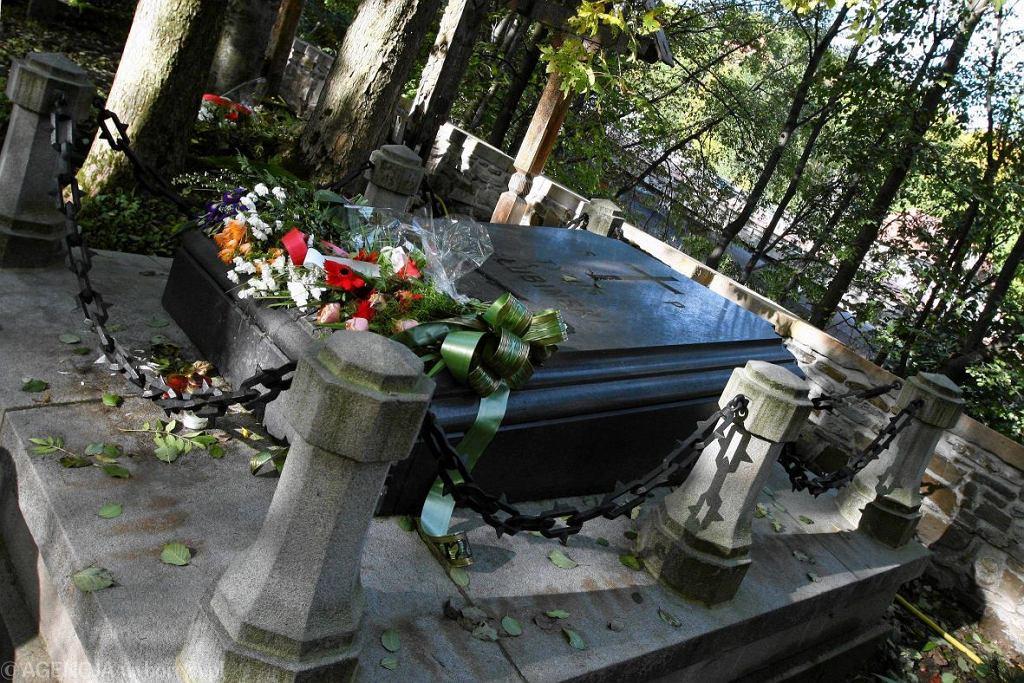 Cmentarz na Pęksowym Brzysku, Zakopane - grób Tytusa Chałubińskiego / Fot. Marek Podmokly / Agencja Gazeta