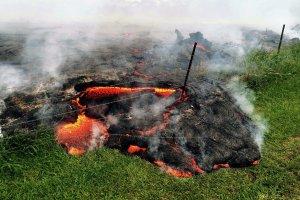 Hawaje: Erupcja wulkanu Kilauea trwa od 31 lat. Ludzie wierz�, �e to oznaka gniewu bogini [ZDJ�CIA]