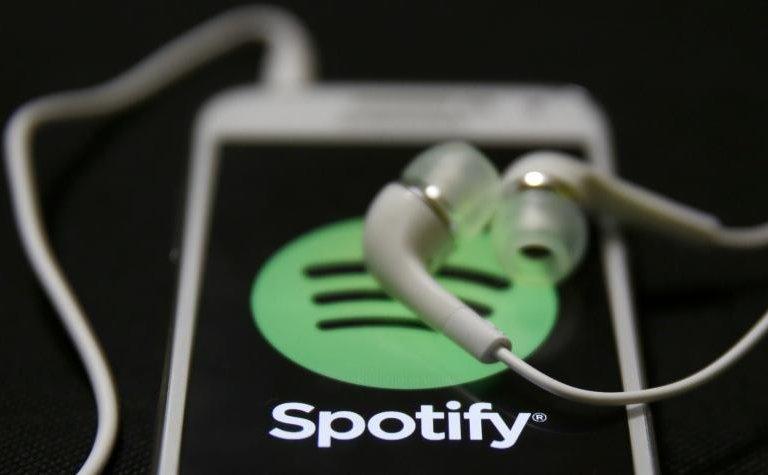 http://next.gazeta.pl/next/7,151243,20359599,spotify-sprzedaje-winyle-i-muzyczne-gadzety-sam-streaming-muzyki.html