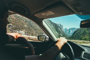 Jak przygotować samochód do jazdy podczas upałów?