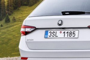 "Skoda Superb Combi zgarnia nagrodę ""Red Dot"""