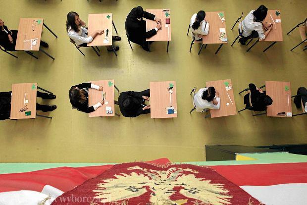 """Gimnazja nowej ery? """"Nie trenujmy na uczniach próbnych testów, lepiej nauczmy ich kombinować"""""""