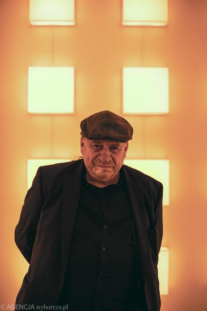 Leon Tarasewicz w Galerii Foksal w Warszawie. / DAWID ŻUCHOWICZ