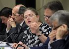 Krystyna Paw�owicz na posiedzeniu komisji ustawodawczej