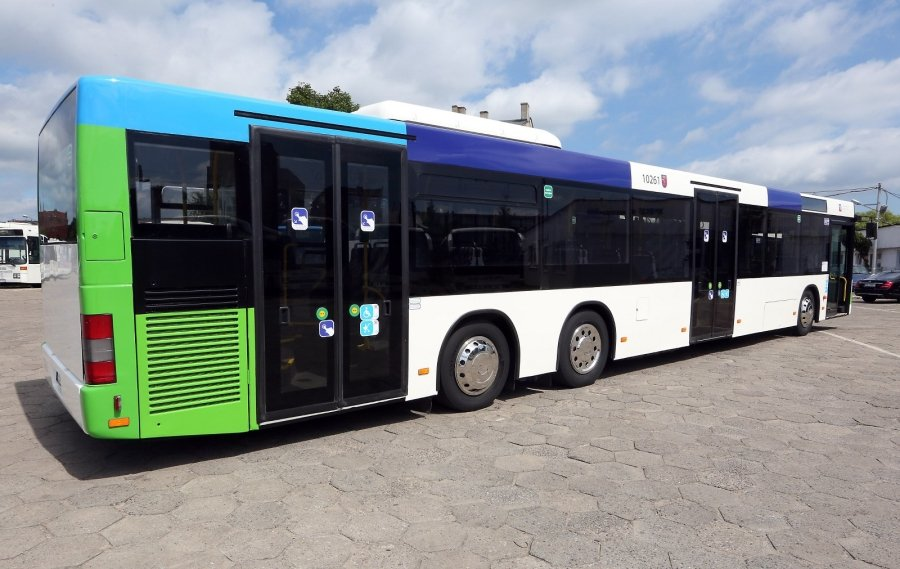 nowe autobusy wyje d aj na ulice miasta i nie tylko s z berlina zdj cia. Black Bedroom Furniture Sets. Home Design Ideas