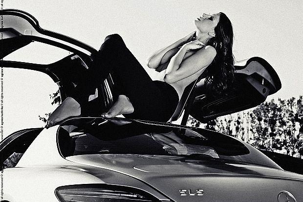 Dziewczyna i samoch�d: Olga i Mercedes SLS AMG