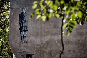 Dzieci wracają na Bałuty. Murale z łódzkiego getta [PRZEWODNIK]