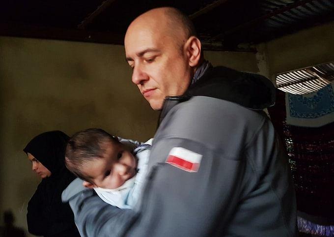 Paweł Kukiz-Szczuciński na misji humanitarnej, fot. Facebook