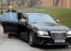 Bielsko-Biała. Służbowa limuzyna prezydenta wozi nowożeńców