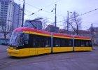 Pesa z rekordową karą za spóźnione tramwaje dla Warszawy. Firma idzie do sądu