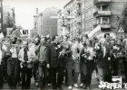 9-latek przyni�s� pami�tki ze strajk�w z lat 80. do ECS. Przekona� dziadka, �eby nie trzyma� ich w domu