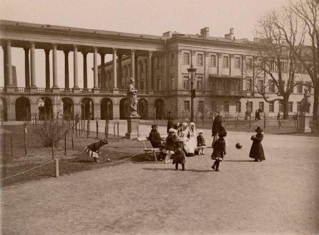 Zdjęcie numer 1 w galerii - Pierwsi fotografowie Warszawy. Zapraszamy na spacer po XIX-wiecznej stolicy