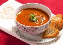 Aksamitna zupa pomidorowa z czerwonym winem i wołowiną - ugotuj