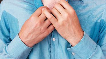 Zlewne poty i ból w klatce piersiowej? To może być kłopot z sercem czy tarczycą