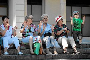 Rewolucja w emeryturach. Wszystkie umowy z ZUS. Ciężko z dorabianiem. Niższy wiek emerytalny zaboli budżet