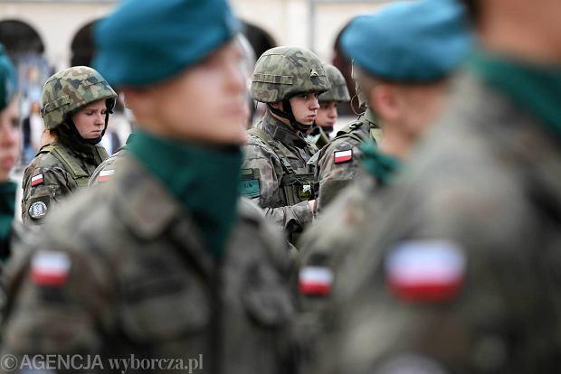 Zdjęcie numer 13 w galerii - Wojskowe pojazdy i broń. Legia Akademicka jedzie na Anakondę [ZDJĘCIA]