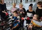 """Rząd zadowolony, niepełnosprawni i ich bliscy - nie. """"Protestujemy dalej"""""""