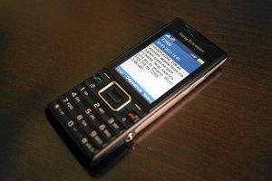 """""""Aby wy��czy� us�ug�, wy�lij SMS""""... i stra� pieni�dze"""