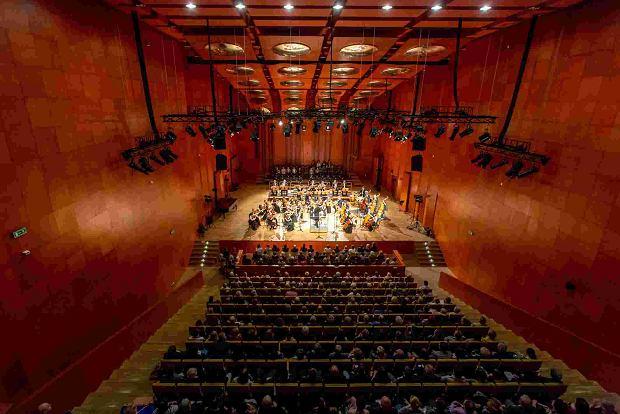 http://bi.gazeta.pl/im/a8/91/16/z23664808Q,Sala-koncertowa--Akademia-Muzyczna-w-Lodzi.jpg