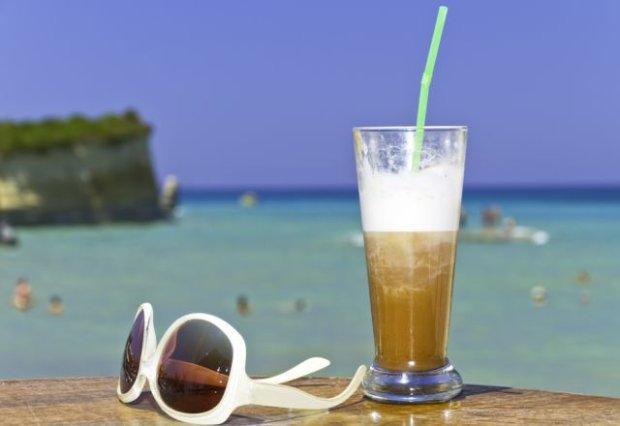 Przegl�d najpopularniejszych napoj�w lata. Wiesz, co pijesz?