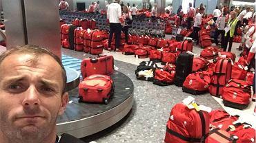 Olimpijczycy wysiedli z samolotu, ruszyli po torby i... os�upieli. Dlaczego? [WIDEO]