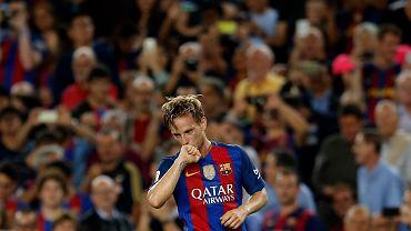Mecz Barcelona - Atletico. Ivan Rakitić cieszy się z gola