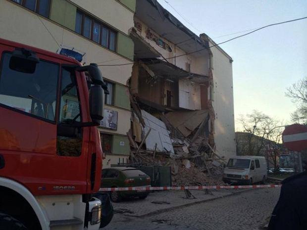 Katastrofa budowlana w Łodzi. Zawaliła się część kamienicy