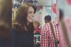 """Kate i William na gie�dzie. Ksi�na bawi�a si� �wietnie. Ksi���: """"Przesta� flirtowa�!"""""""
