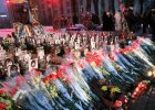 Morze kwiat�w dla Niebia�skiej Sotni. Na Majdanie uczczono pami�� bohater�w protest�w sprzed roku [ZDJ�CIA]