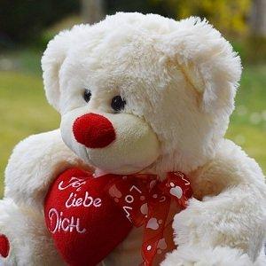 Walentynki coraz bli�ej, a Ty nadal nie masz pomys�u? Sprawd� najlepsze walentynkowe propozycje!