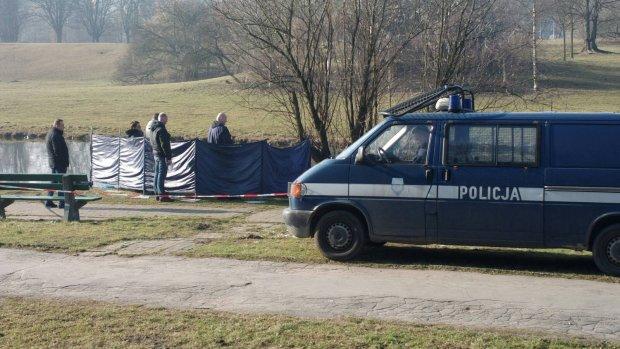 Zw�oki m�czyzny znalezione w parku Skaryszewskim