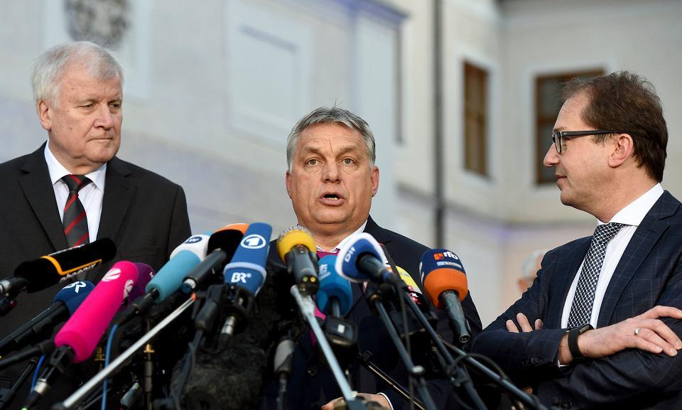 Viktor Orban podczas spotkania z przewodniczącym niemieckiej CSU Horstem Seehoferem
