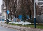 Zniszczone domy, problemy z prądem, ranni. Kiedy niszczycielski wiatr opuści Polskę?