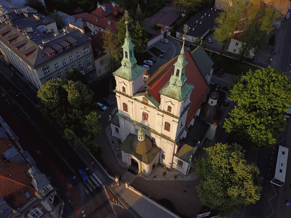 [Obrazek: z21894825V,Krakow-widziany-z-drona--Kosc...oriana.jpg]
