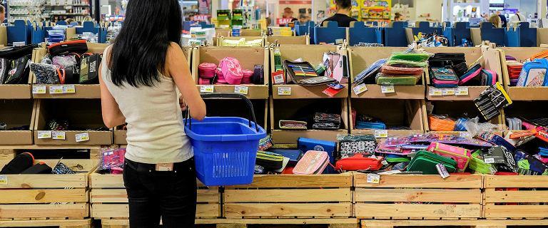 Niedziele handlowe 2018. Czy sklepy będą dziś czynne? Biedronka, Tesco, Lidl