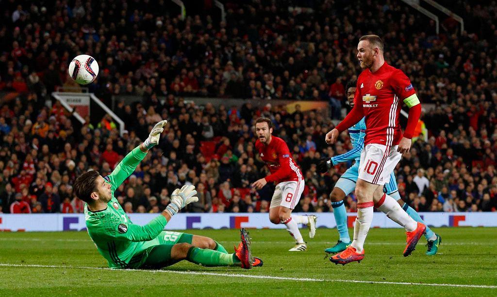 Wayne Rooney w meczu z Feyenoordem